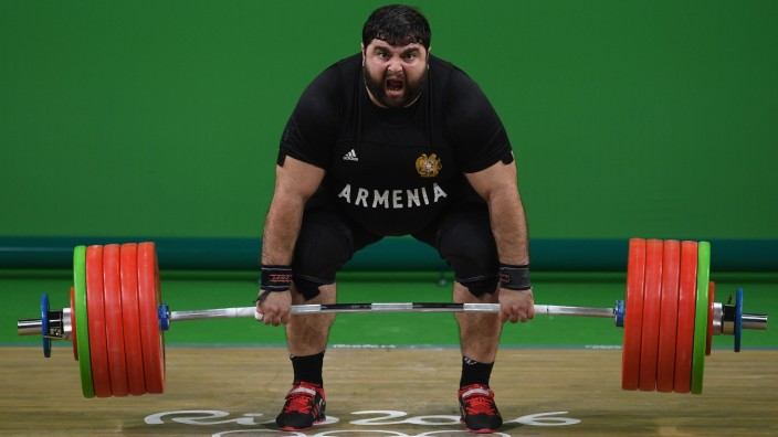 Weightlifting - Olympics: Day 11