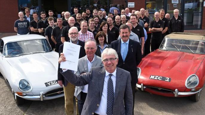 Peter Neumark und seine Mitarbeiter von Classic Motor Cars