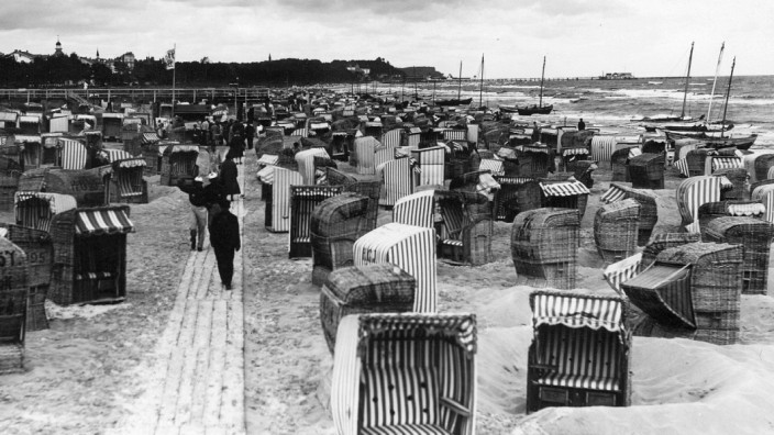 Strandkörbe bei Ahlbeck auf Usedom, 1929