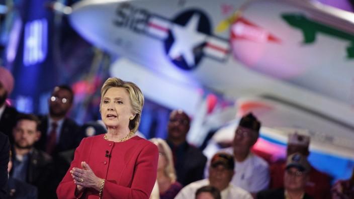 "US-Wahlkampf: Hillary Clinton während des ""Commander-in-Chief Forum"" in New York City."