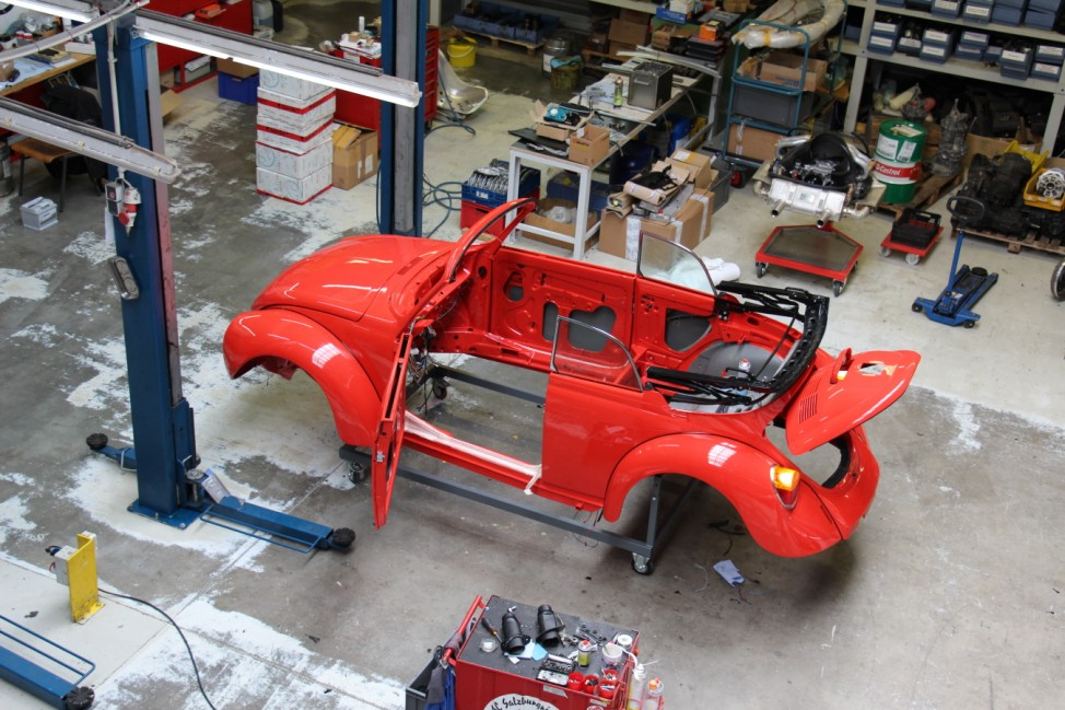 Memminger Feine Cabrios & Stahlbau GmbH: VW Käfer 1303 Cabrio in der Werkstatt