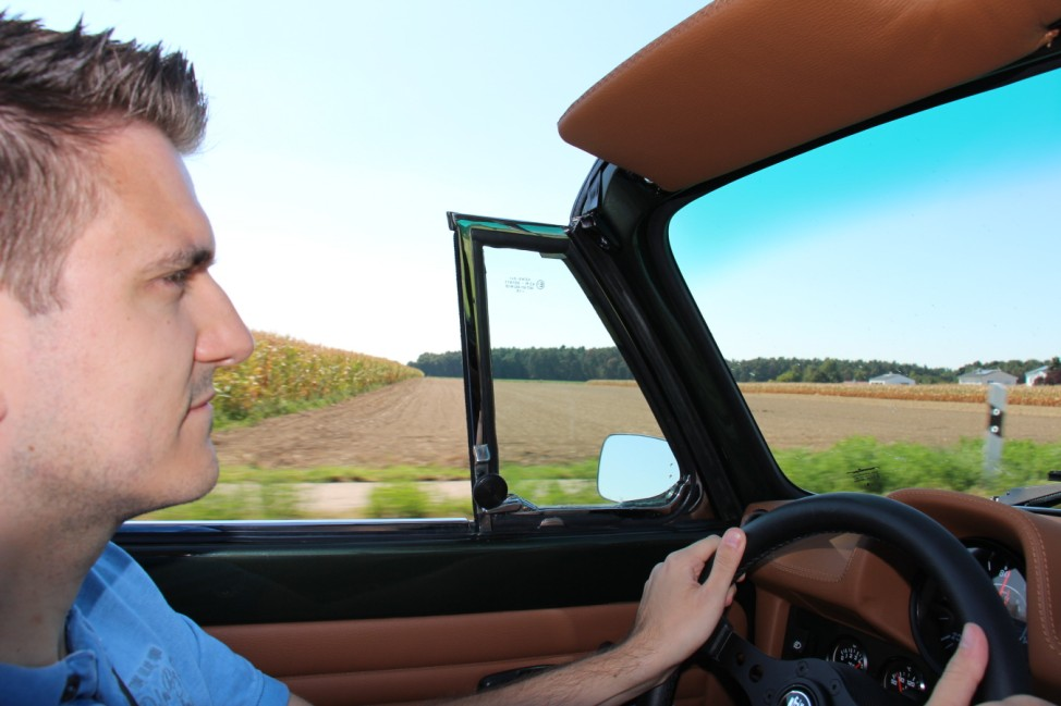 Thomas Harloff im VW Käfer 1303 Cabrio von Memminger