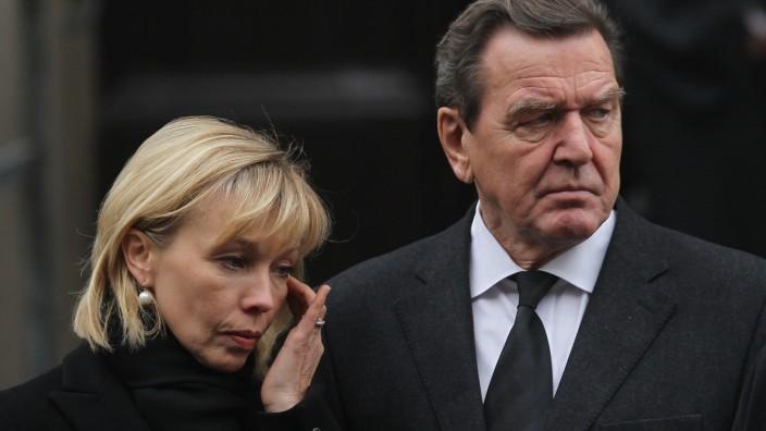 FILE - Former German Chancellor Gerhard Schroeder And Wife Get Divorced