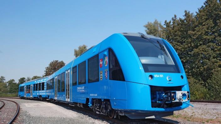 Premiere auf der Innotrans: Der Wasserstoffzug baut auf Alstoms konventionell angetriebener Modellreihe Coradia Lint auf.