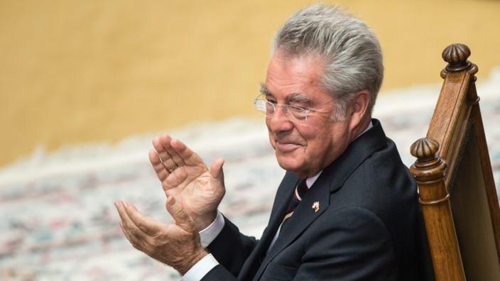 Austrian outgoing President Heinz Fischers retirement ceremony in