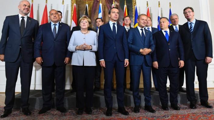 Flüchtlingspolitik: Bundeskanzlerin Angela Merkel und die weiteren Teilnehmer am Wiener Flüchtlingsgipfel.