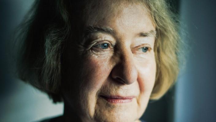 """Hilde Schramm im Interview: Hilde Schramm hat bei sich vier Flüchtlinge aus Syrien aufgenommen. Und sie, die seit 1968 in einer linken Hausgemeinschaft lebt, sagt: """"Ich habe selten so gut mit Leuten zusammengelebt wie mit diesen."""""""