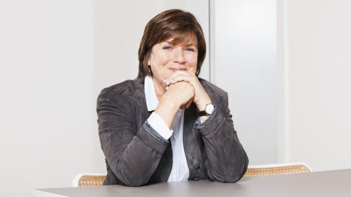 """Christine Westermann im Interview: """"Ich sitze im Literarischen Quartett, weil ich den etwas anderen Blick habe"""", meint Christine Westermann."""