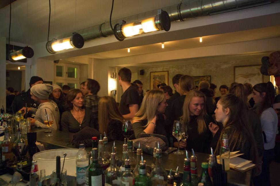 Innenraumübersicht der Bar Kneipe Frau Bartels Klenzestrasse 51 Glockenbachviertel München