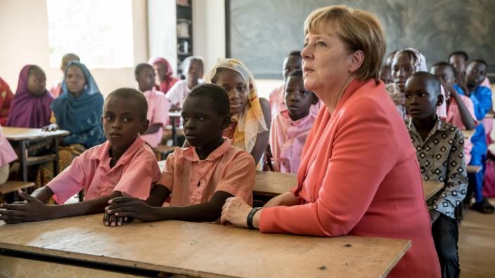 Kanzlerin Merkel in Afrika