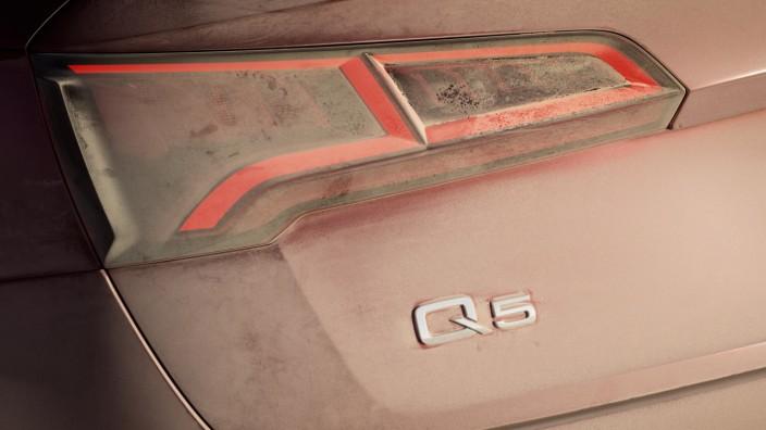Die Heckleuchte des neuen Audi Q5.