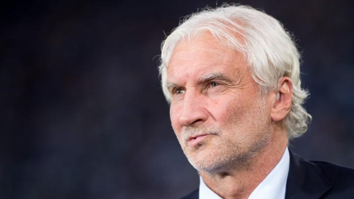 Rudi Voller Denkt In Leverkusen Ans Aufhoren Sport Sz De