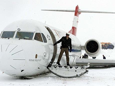 Skurrile Ansagen im Flugzeug: Kapitän Crash und seine Crew