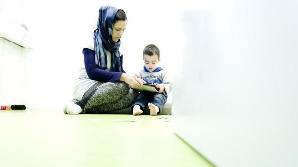 EDLING (Lkr. Wasserburg): Flüchtlingsfamilie Gulam SARVAR / Afghanistan / Langzeitstudie