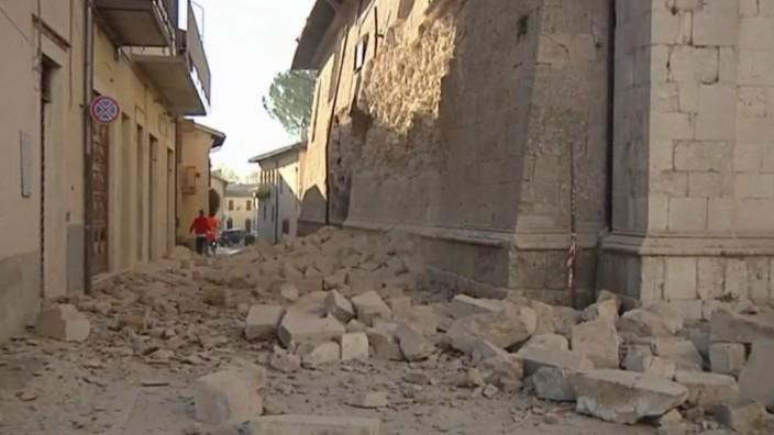 Naturkatastrophe: In den Straßen von Norcia liegen Trümmer eingestürzter Gebäude.