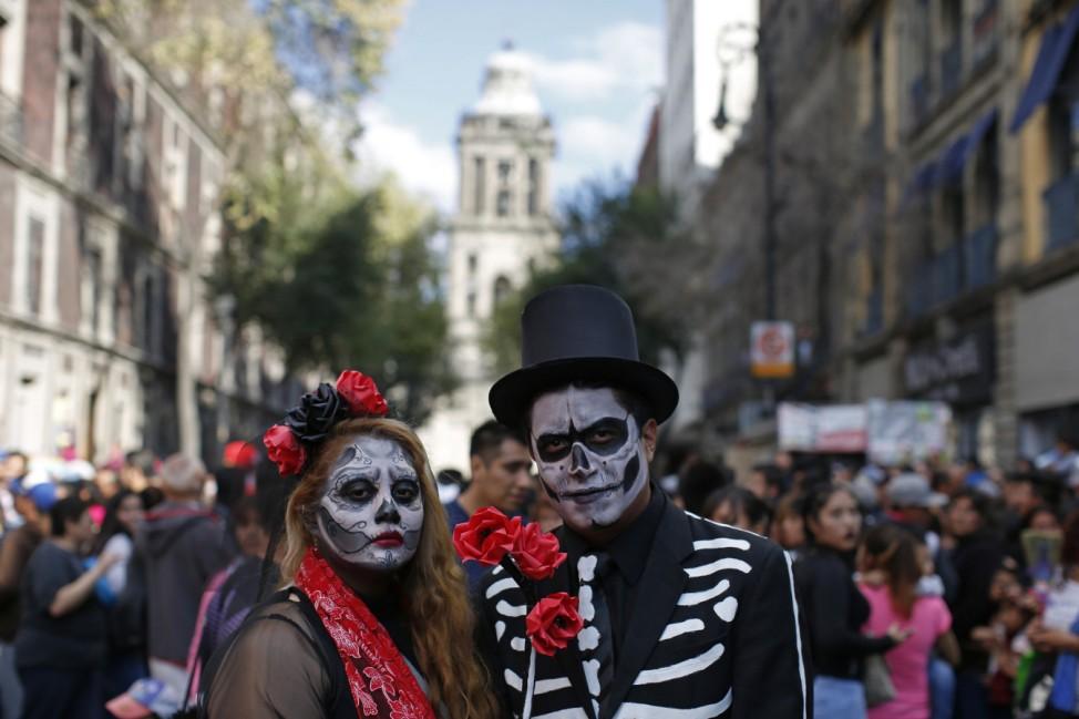 """Eindruck von der Parade zum """"Tag der Toten"""" in Mexiko-Stadt."""