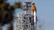 """Cape Canaveral: Erst wenn alle vier Tanksensoren funktionieren darf die """"Atlantis"""" starten."""