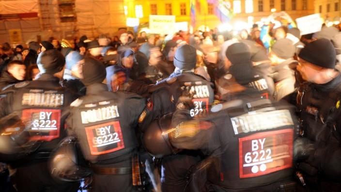 Polizeistatistik: Die meisten der 45 Gewaltdelikte im vergangenen Jahr - nämlich 25 - wurden im Zusammenhang mit Demonstrationen registriert.