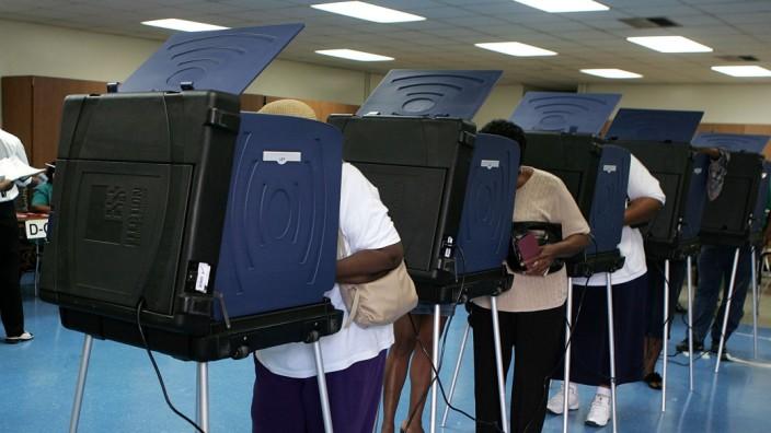 Wähler bei der Präsidentenwahl 2004 in den USA