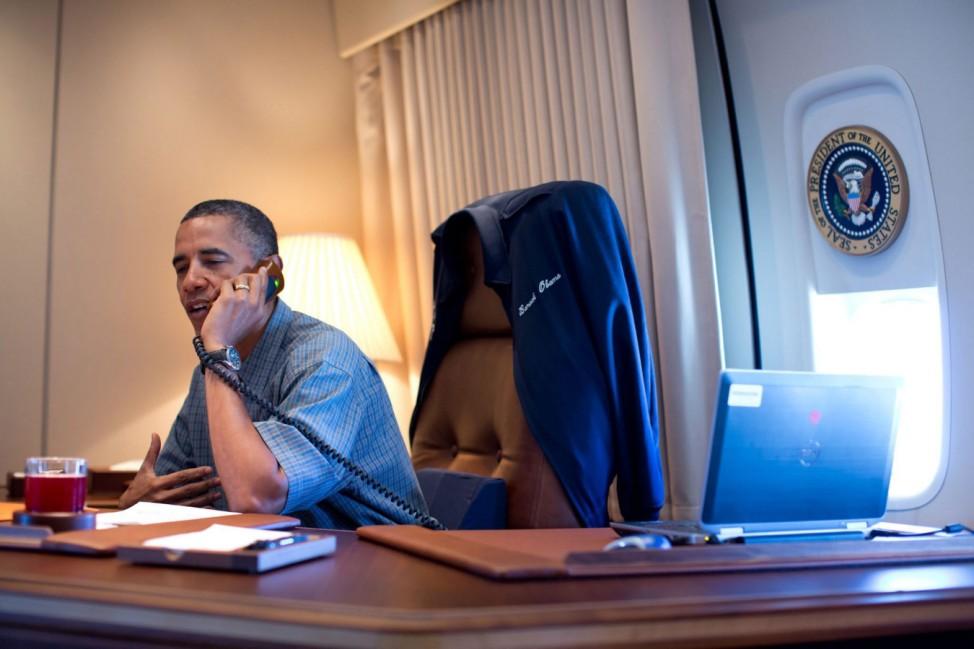 President Obama talks with NASA'S Curiosity Mars Rover team by ph