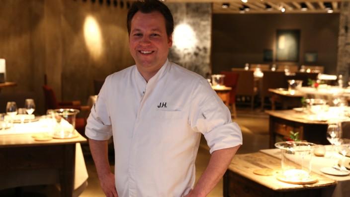 """Michelin-Sterne: Jan Hartwig im Restaurant """"Atelier"""" im Hotel Bayerischer Hof in München"""