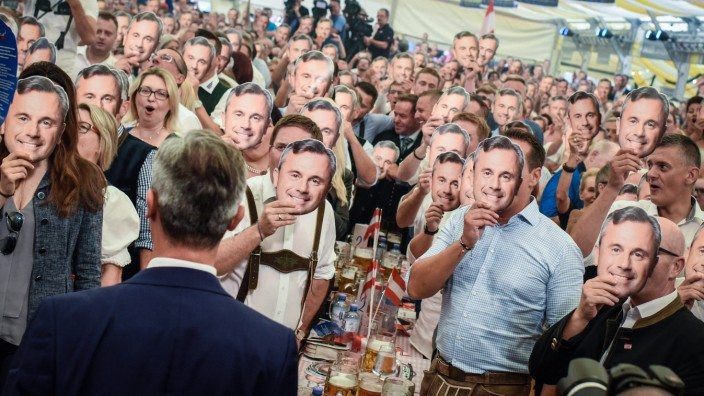Norbert Hofer's kick-off rally to repeat of the Austrian Presiden