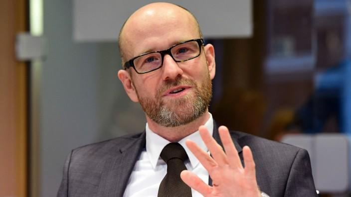 Berlin: Peter Tauber wird für seinen Tweet scharf kritisiert.