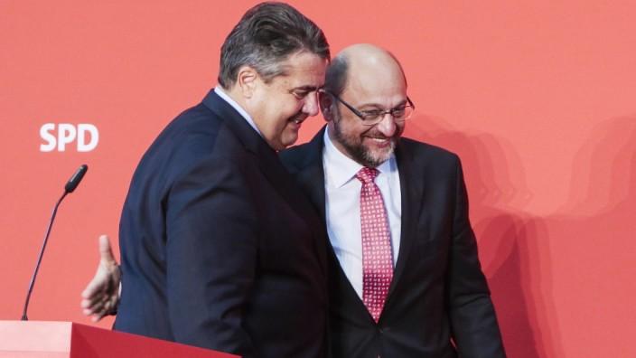 vl Sigmar Gabriel SPD Vizekanzler Parteivorsitzender Martin Schulz SPD RatsprâÄ°sident der EU