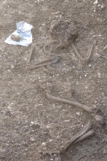 Gilching Ausgrabung Hockergrab