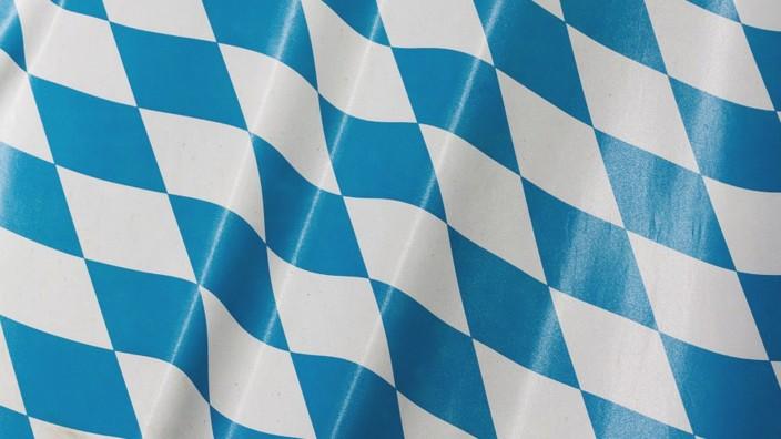 Bayern: Am 1. Dezember 1946 wurde die Bayerische Verfassung per Volksbescheid angenommen.