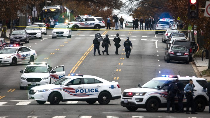 Gunman Enters Comet Ping Pong, Restaurant at Center of Fake News