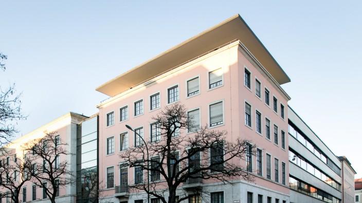 Hochschule für Politik München (HfP) âē direkt hinter dem Lenbachhaus Richard-Wagner-Straße 1