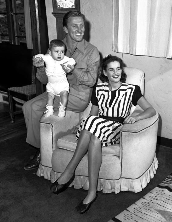 Kirk Douglas, Joel Douglas, Diana Douglas