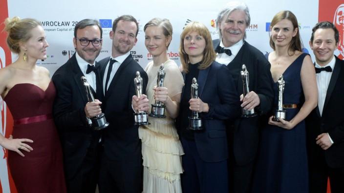 Die Macher des besten europäischen Spielfilms Toni Erdmann beim Europäischen Filmpreis in Breslau.