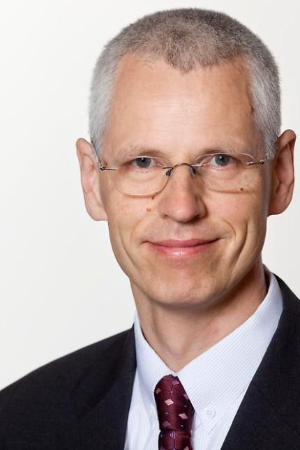 Der Gewinner: Holger Schmieding, 59, ist Chefökonom der Berenberg-Bank - und Prognostiker des Jahres 2016. Er lag als einziger Forscher bei allen Kriterien richtig: bei Wirtschaftswachstum, Export, Konsum und Investitionen.