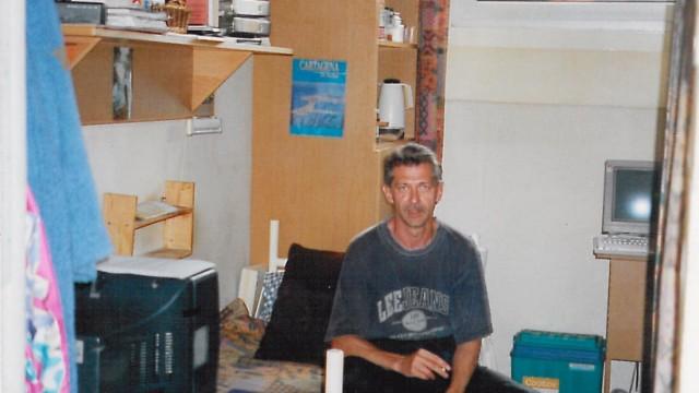 Vom Schwerverbrecher zum Sozialunternehmer: Volkert Ruhe in seiner Zelle in Santa Fu