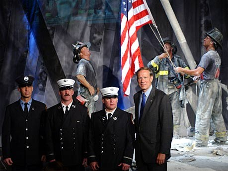 Wachsnachbildung einer Fotografie des 11. September bei Madame Tussaud's in New York