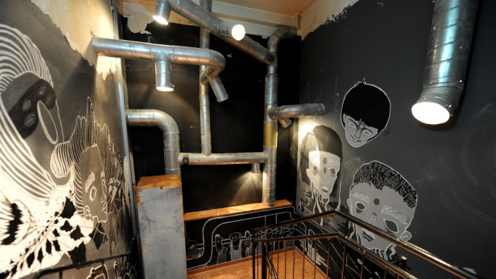 Nach Umbau: Barserie ' Nachtbad ' ( ehemaliger schwuler Sauna-Club Müller 54) im Keller in der Müllerstrasse 54, 4.Januar 2017, Foto : C : Stephan Rumpf