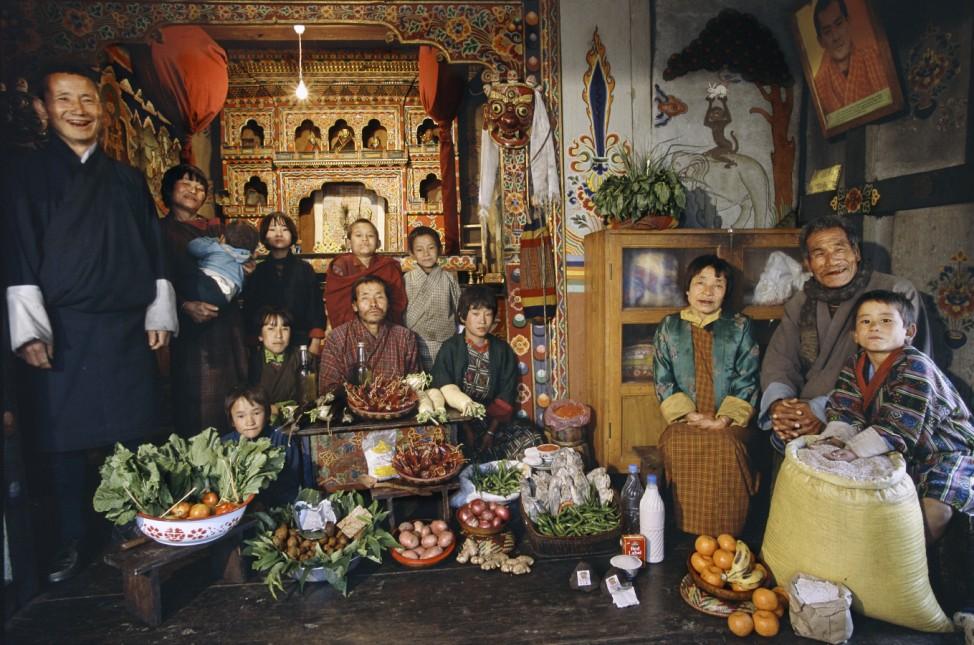 Hungry Planet, Bhutan, Buch: 'So isst der Mensch't der Mensch'