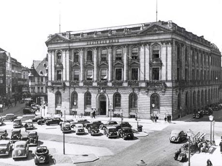 Deutsche Bank, Filiale Frankfurt Rossmarkt, Foto: AFP