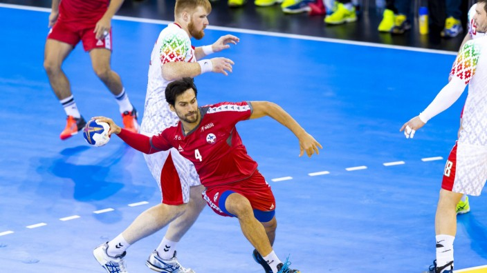Harald Feuchtmann Nr 4 Chile gegen Viachaslau Shumak Nr 22 Weissrussland Weissrussland vs