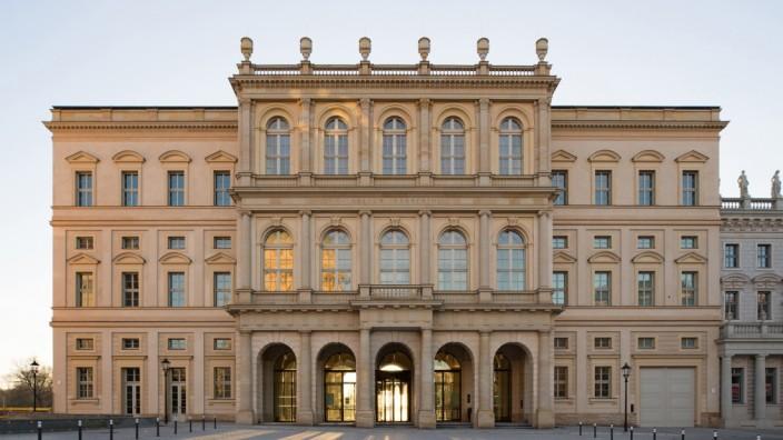 Museumsneubau: Es beglückt städtebaulich, als Museumsneubau und als Museum mit einem interessanten Programm: das Museum Barberini in Potsdam.