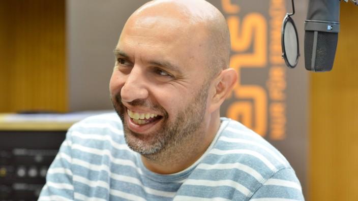 Neu auf Radioeins vom rbb: 'Die Blaue Stunde' mit Serdar Somuncu