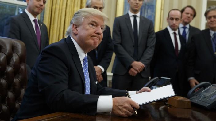 Donald Trump unterzeichnet TPP-Erlass