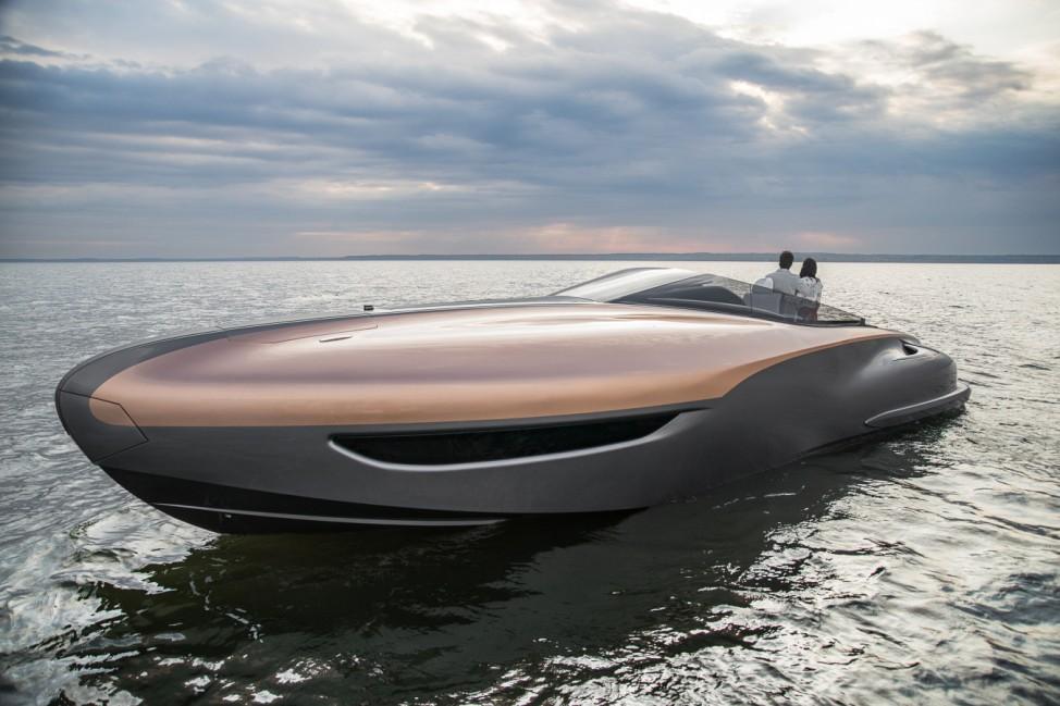 Lexus Sportyacht