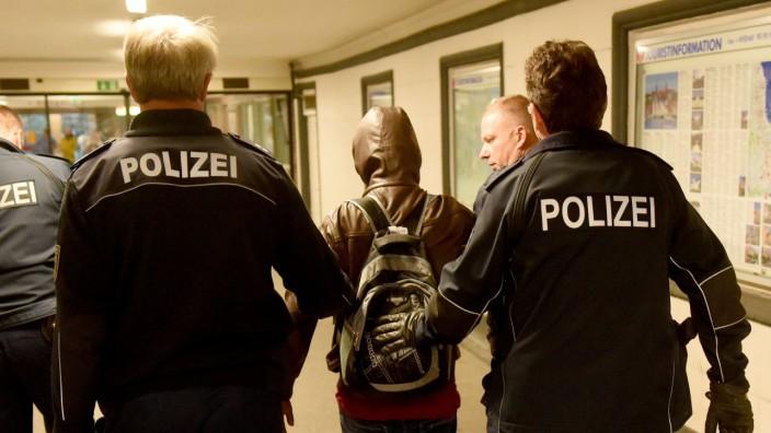 Landtag in Kiel berät über Flüchtlinge