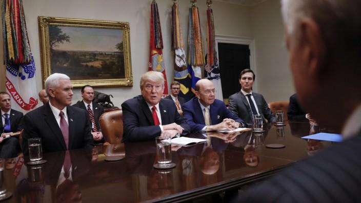 Donald Trump, Mike Pence, Orrin Hatch, Jared Kushner, Wilbur Ross