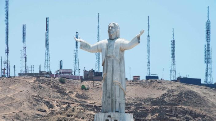 Lateinamerika: Christus zum Geschenk: Eine Statue in Lima, Peru, gestiftet vom Baukonzern Odebrecht.
