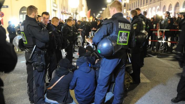 Anti-Pegida-Demonstration am Odeonsplatz in München, 16.11.2015