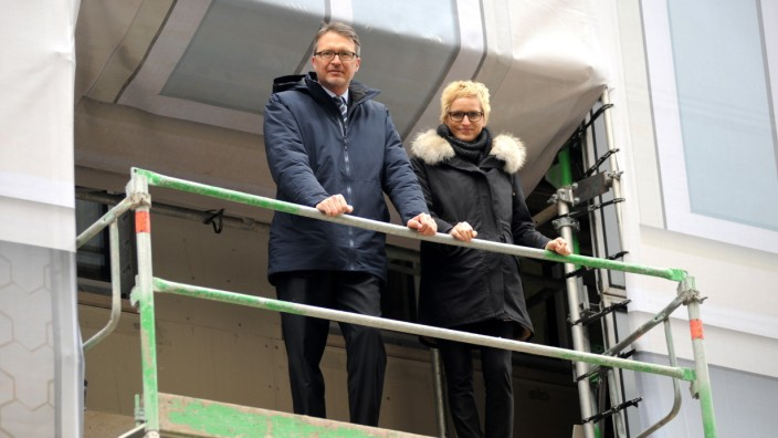 Montagsinterview: Nina und Maximilian Hugendubel in der Baustelle 'Hugendubel' am Marienplatz, soll im Sommer fertig sein ,11.Februar 2017, Foto : C : Stephan Rumpf
